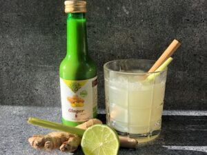 Gember mocktail met citroengras en limoen